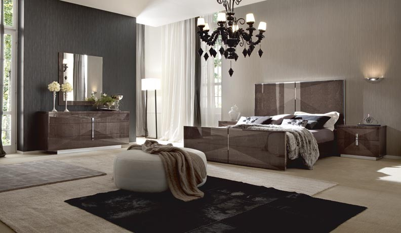 Contemporary Wood Bedroom Set