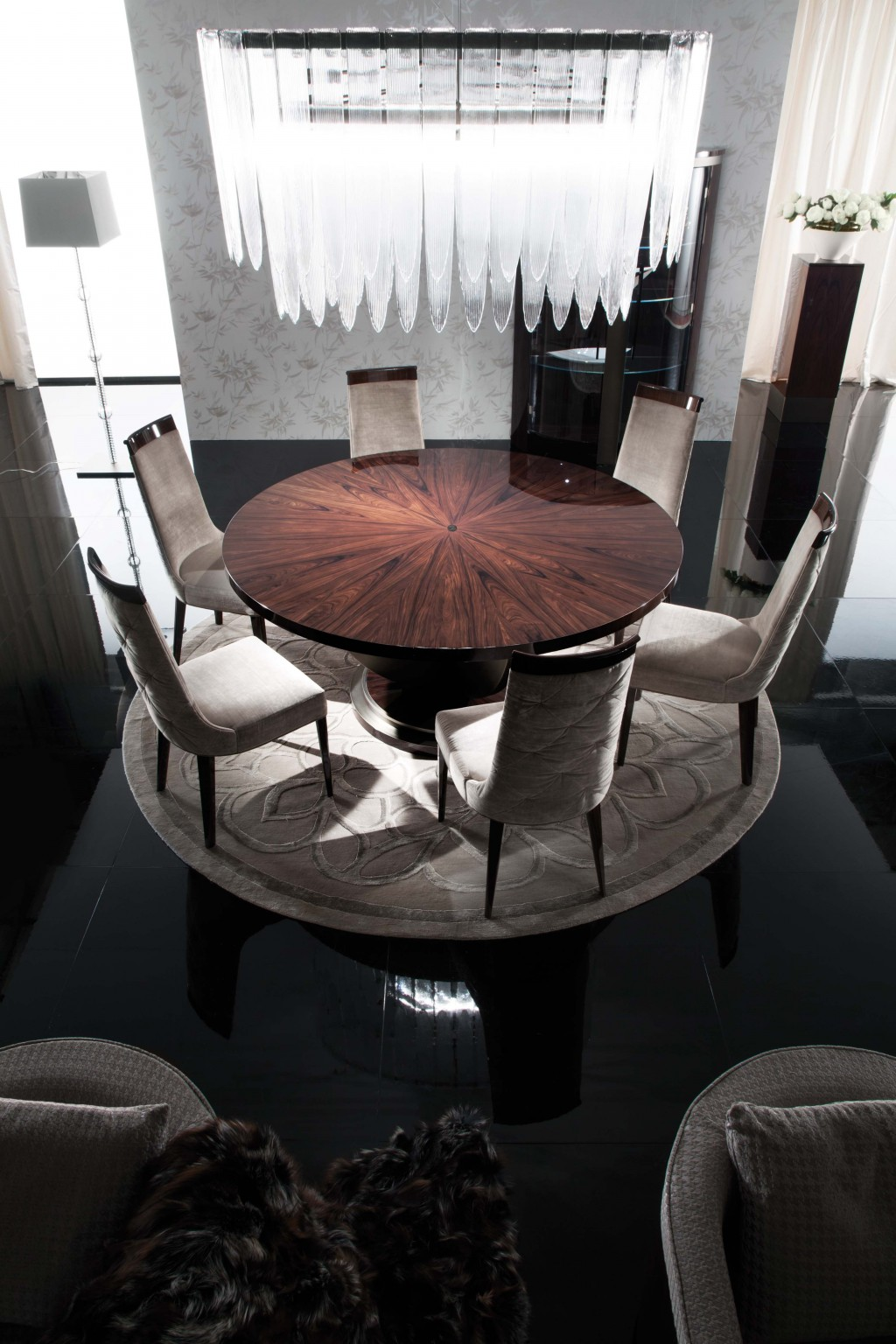 Giorgio Coliseum Round Dining Table