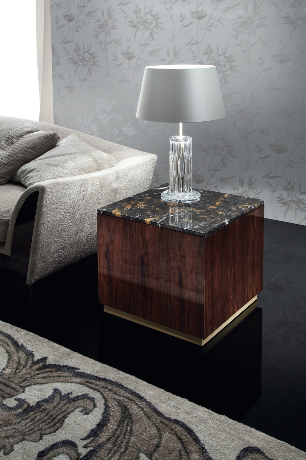 Giorgio Coliseum End Table