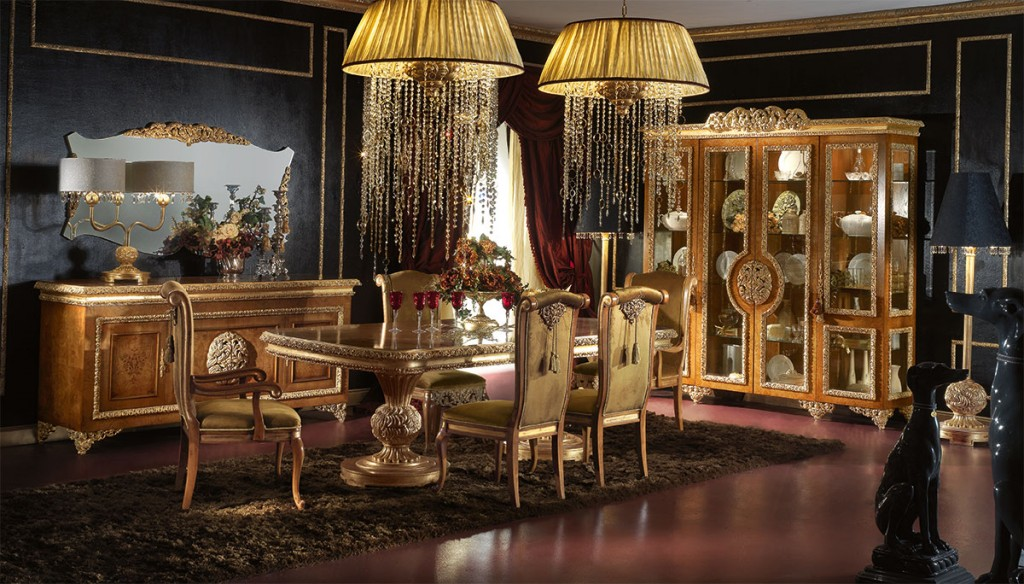 Royal Traditional Dining Room