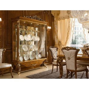 Dolce Vita Traditional Dining Room