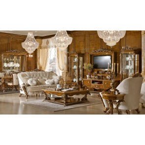 Dolce Vita Traditional Living Room