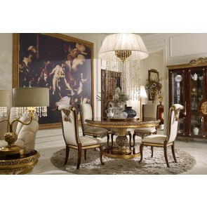 Grand Royal Traditional Dining Room