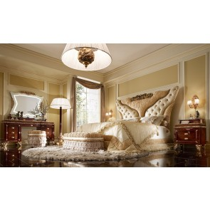 Grand Royal Traditional Bed Room
